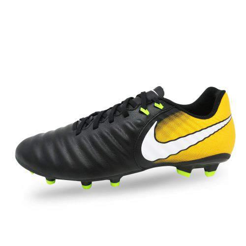 chaussures de football crampons nike enfant. Black Bedroom Furniture Sets. Home Design Ideas
